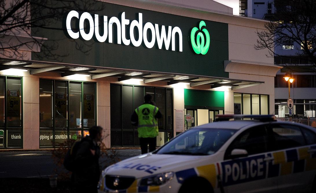 Trei persoane sunt în stare critică, după ce au fost înjunghiate într-un magazin din Noua Zeelandă