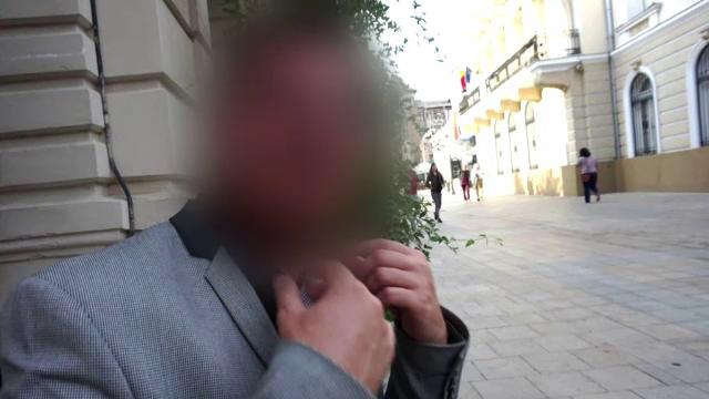 Un profesor din Iași le-a cerut poze nud elevelor de 10-11 ani. Explicația halucinantă a cadrului didactic