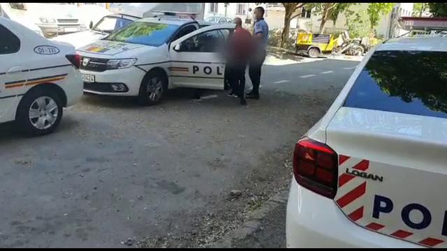Polițiștii din Craiova au reținut un individ care a tâlhărit un bătrân acum jumătate de an. Ce îi făcuse vârstnicului