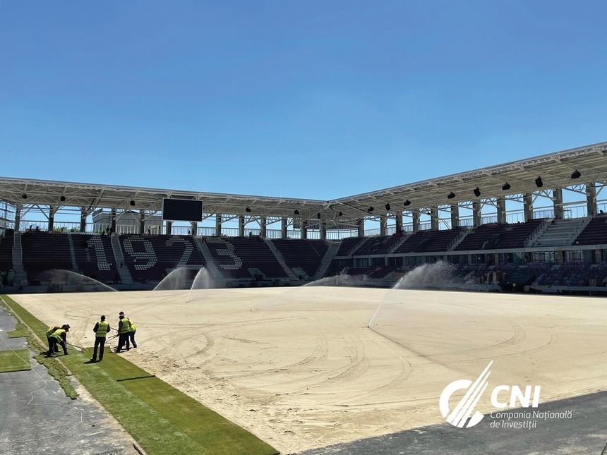 FOTO. A început montarea gazonului pe Stadionul Rapid. Cum arată noul Giulești