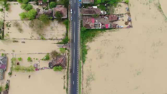 Mai multe localități din Satu Mare sunt și acum sub ape în urma ploilor torențiale