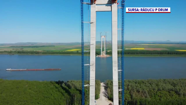 Se pun cablurile de oţel la podul ce va lega Brăila de Tulcea. Când va fi gata