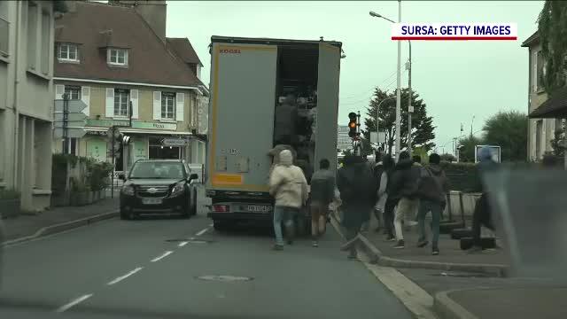 Comisia Europeană este chemată să verifice cât de sigure sunt parcările pentru camionagii, după tragedia din Franța