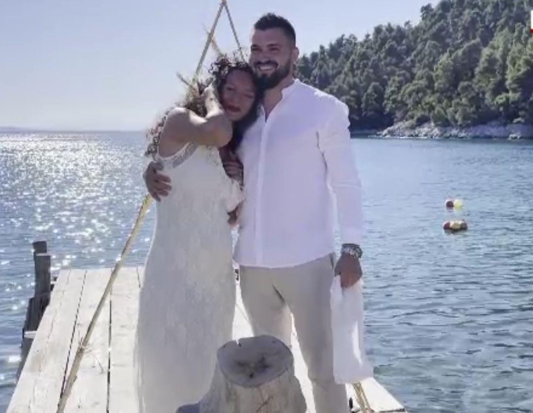 Cum au fentat românii restricțiile din pandemie ca să se căsătorească. Pe mare, în străinătate sau în locații exotice