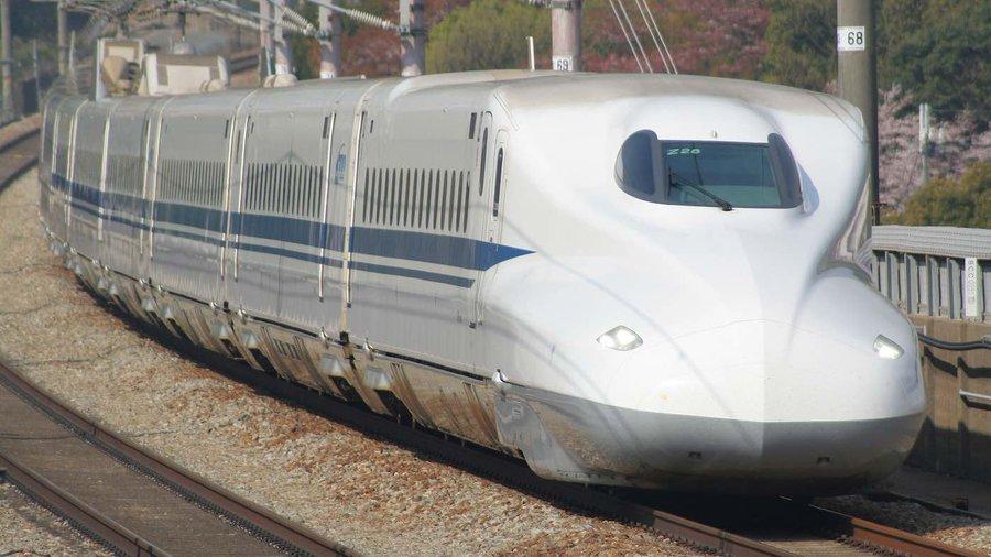 Un conductor de tren din Japonia a plecat la toaletă în timp ce mergea cu 150 de kilometri pe oră