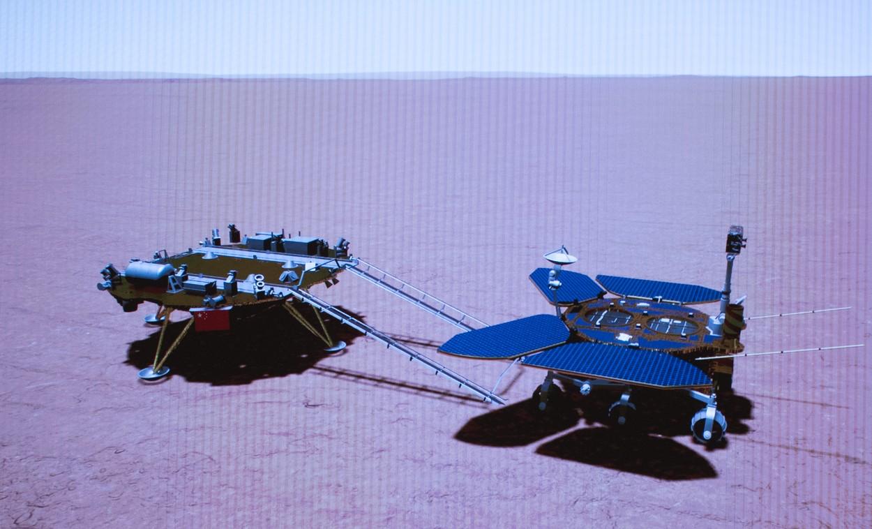 Roverul chinez Zhurong a efectuat prima sa deplasare pe suprafaţa planetei Marte