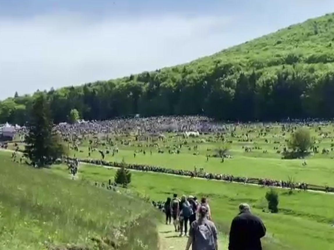 Cel mai mare pelerinaj catolic, în paralel cu un maraton al vaccinării. 40.000 de credincioși la Șumuleu Ciuc