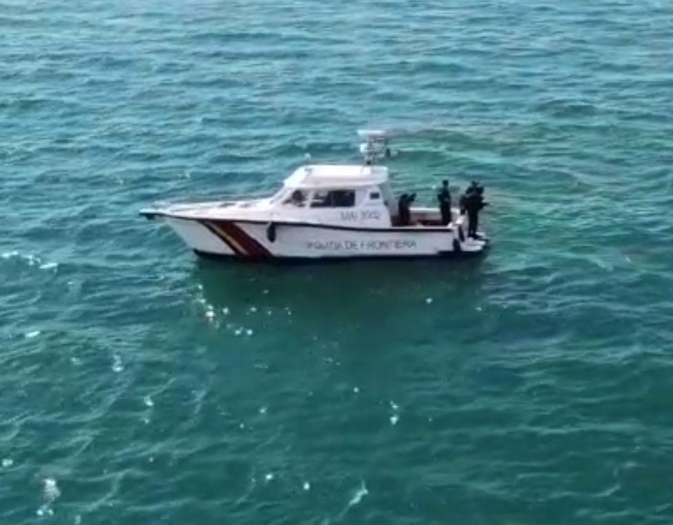 A fost găsit pescadorul dispărut în zona Gura Portiței. Nici urmă de ultimii doi marinari de la bord