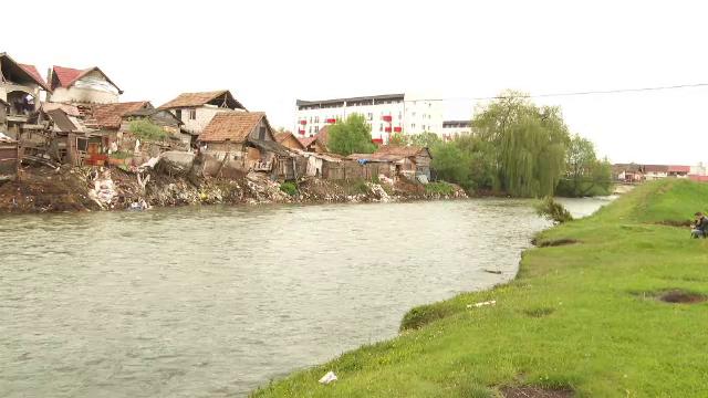 """Cum s-ar fi petrecut tragedia din Florești, unde un copil a fost găsit mort în râul Someș: """"Este tragic"""""""