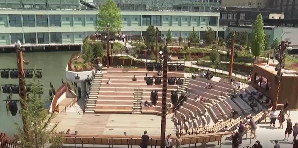 Un parc suspendat a fost construit pe locul în care au debarcat supraviețuitorii de pe Titanic