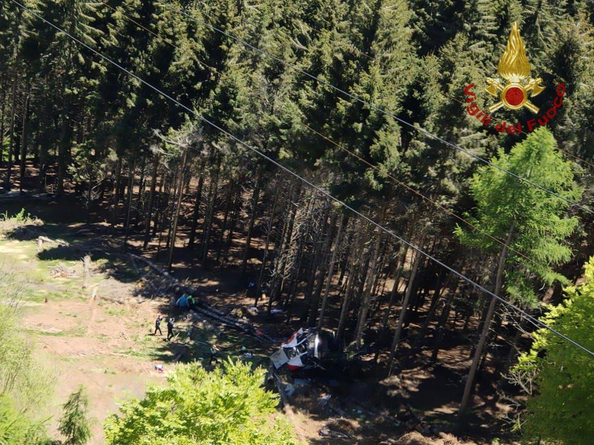 """Trei persoane reţinute după accidentul de teleferic din Italia în care au murit 14 oameni. """"Au acționat în mod conștient"""""""