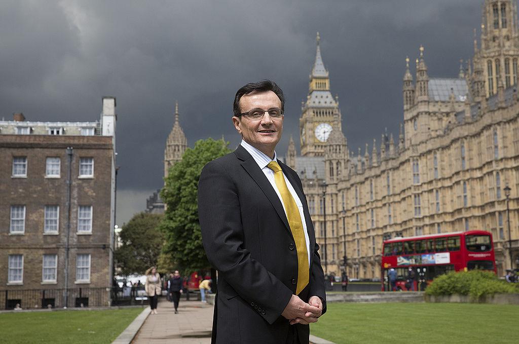 Șeful AstraZeneca a recunoscut oficial că Marea Britanie a avut acces prioritar la vaccin