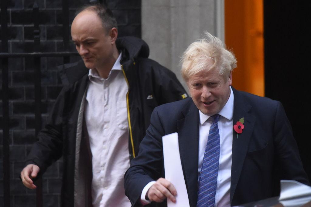 Boris Johnson, acuzat de fostul său consilier că a lăsat virusul să se răspândească pentru atingerea imunității colective