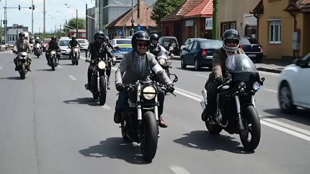 Motivul pentru care zeci de motocicliști au defilat la costum pe străzile din Brașov