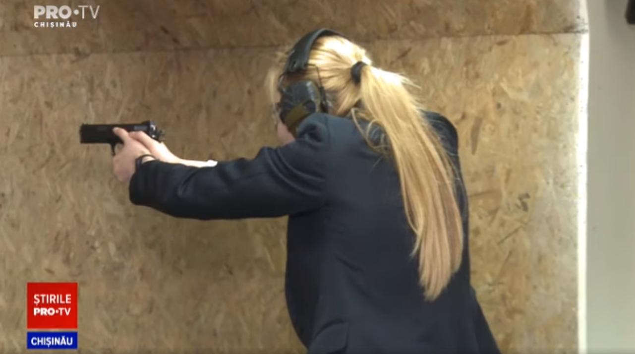 Președintele R. Moldova este apărată de două femei bodyguard. Ce antrenamente speciale fac ele. VIDEO