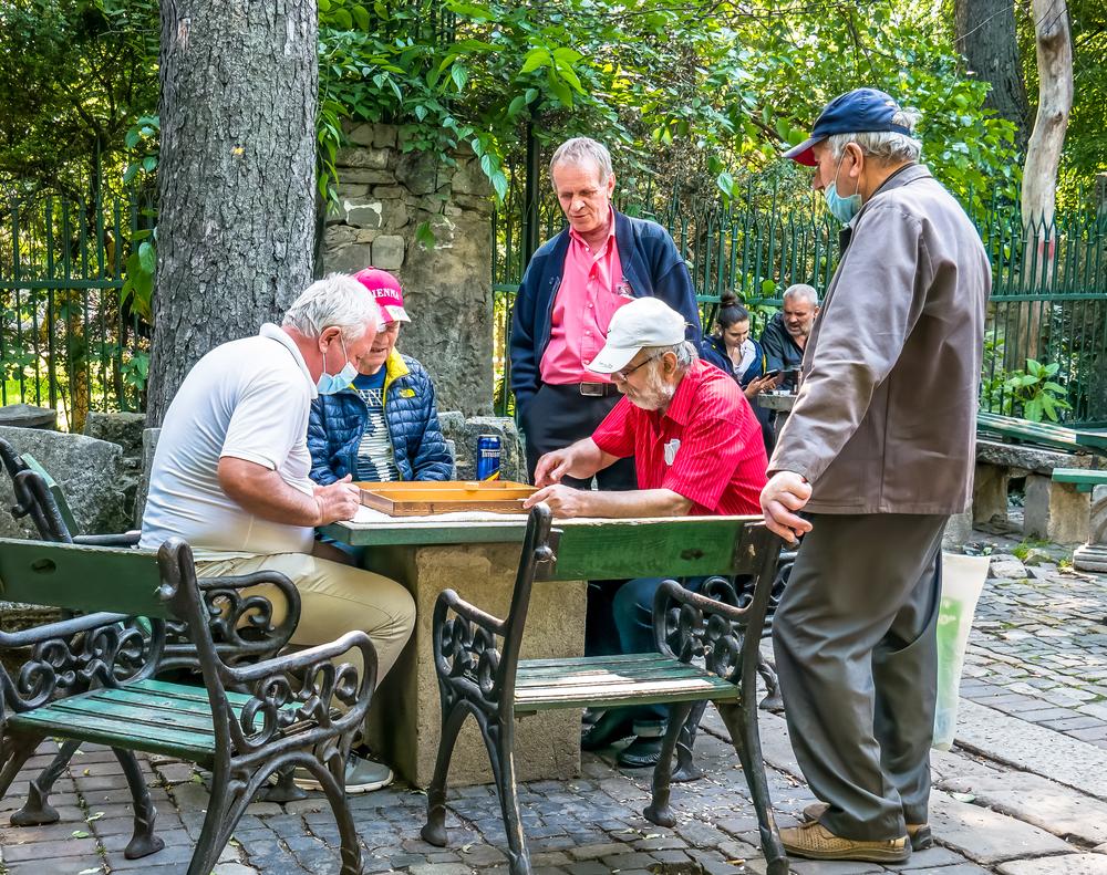 """Modificările pe care le va aduce noua lege a pensiilor. """"La contribuții egale, pensii egale"""""""