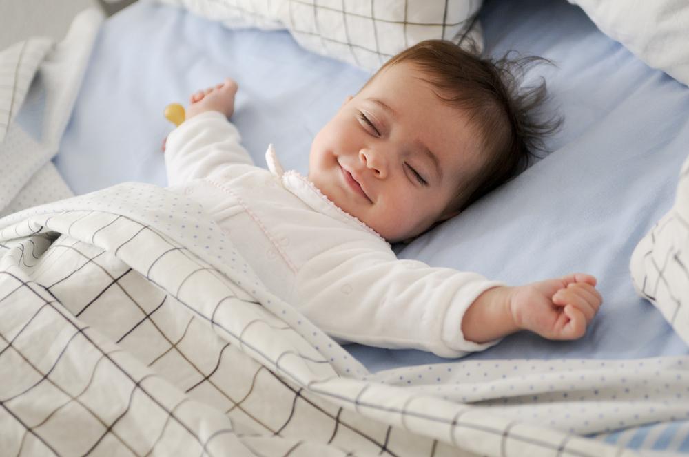 """Se anunță un """"baby boom"""" în România. Sociologii spun că este un curent trecător"""
