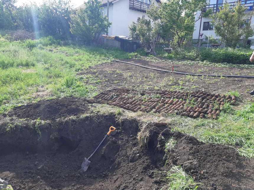 Peste 550 de proiectile, descoperite de pirotehnişti pe un teren de numai 50 de metri pătraţi în judeţul Iaşi