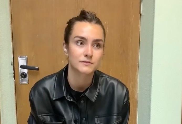 VIDEO. Primele imagini cu iubita jurnalistului Roman Protasevici în detenție. Dezvăluirile tinerei