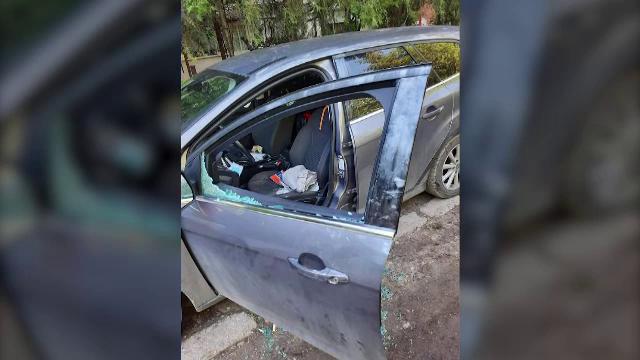 Metoda prin care trei hoți au spart 14 mașini într-o singură noapte. Ce au descoperit proprietarii autoturismelor a doua zi