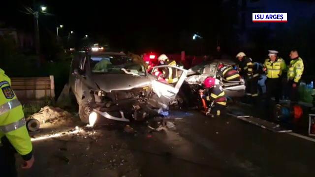 Accident grav pe o șosea din Argeș. O dubă care transporta stupi a fost spulberată de un autoturism