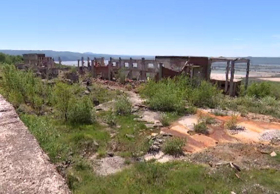 Situație halucinantă în dezastrul de la Moldomin: Ministerul Economiei refuză să preia instalația de ecologizare, la cheie