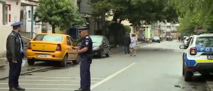 Razii de amploare în cartierul Ferentari. Polițiștii au legitimat locuitorii din zonă și au verificat scările de bloc