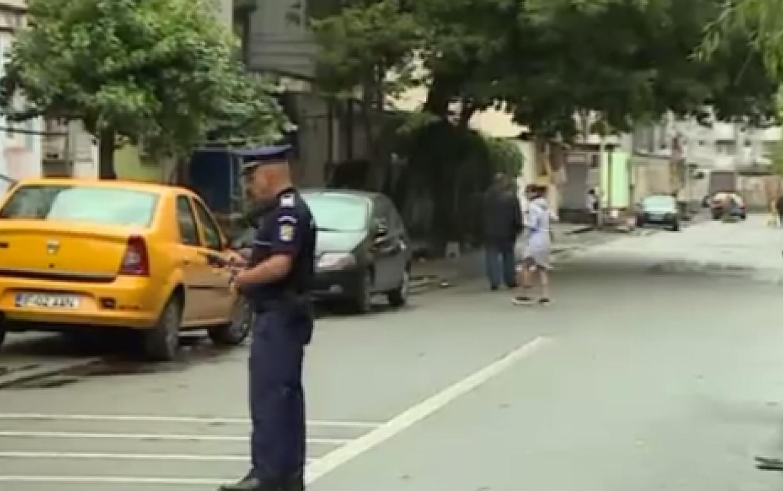Politia intervine in forta intr-un cartier din Bucuresti! Toti soferii si trecatorii sunt controlati. Ce s-a intamplat