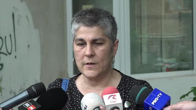 O femeie spune că tatăl ei a murit după ce a făcut bronho-pneumonie în spital, așteptând să fie internat
