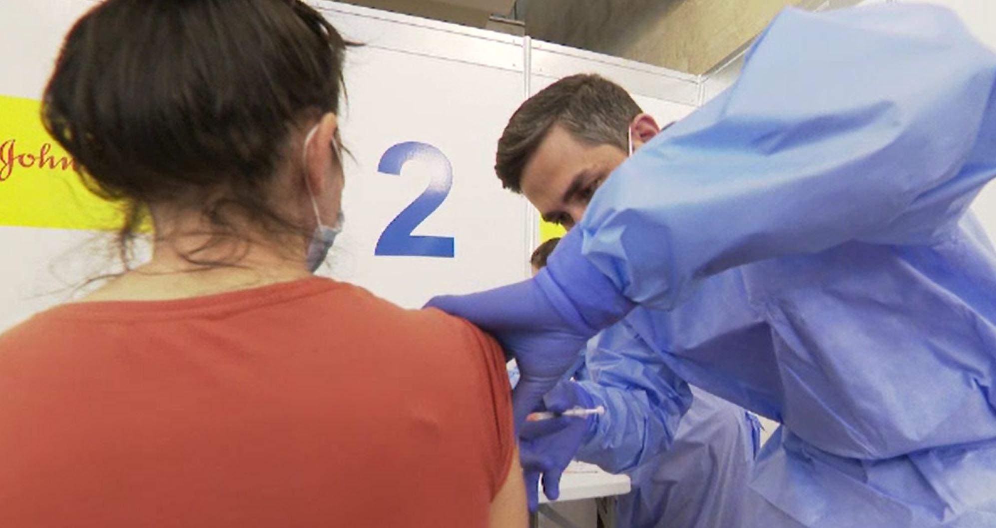 Continuă maratonul de vaccinare anti-COVID. De la 1 iunie pot primi serul și adolescenții cu vârste între 12 și 15 ani