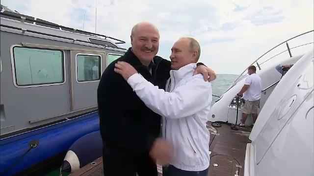 Putin şi Lukaşenko s-au plimbat cu yachtul pe Marea Neagră