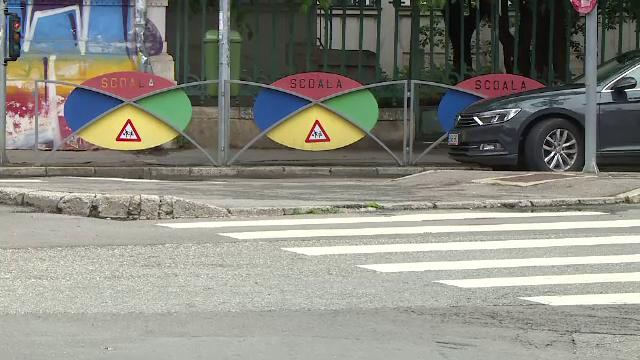 Trecerile de pietoni de lângă școlile din București vor fi supraînălțate