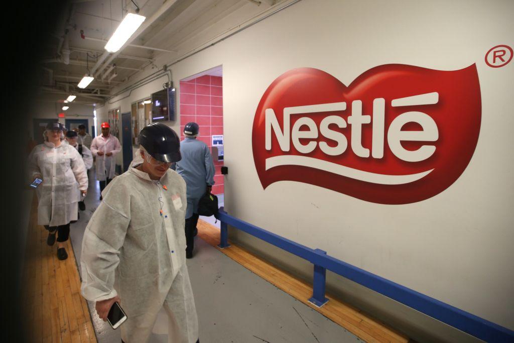 """Nestle recunoaşte că majoritatea produselor sale alimentare sunt nesănătoase. """"Nu vor fi niciodată"""""""