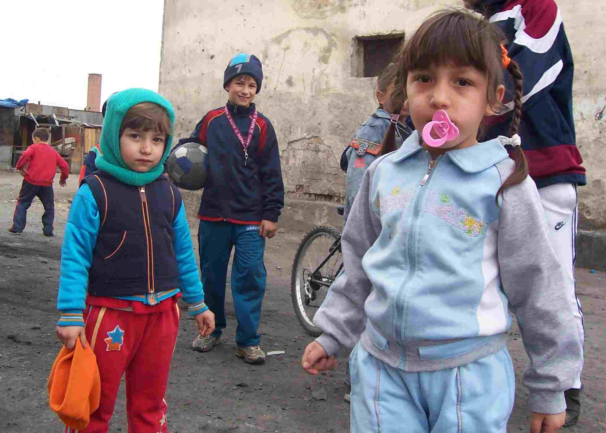 Suspectii in cazul traficului cu copii rromi de la Tandarei, arestati!