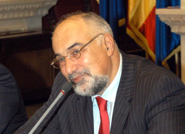 Vicepresedintele PNL Alin Tise ii cere lui Varujan Vosganian sa isi dea demisia de onoare din partid