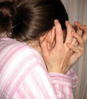 Fata de 12 ani, in coma, dupa ce a fost batuta de niste talhari