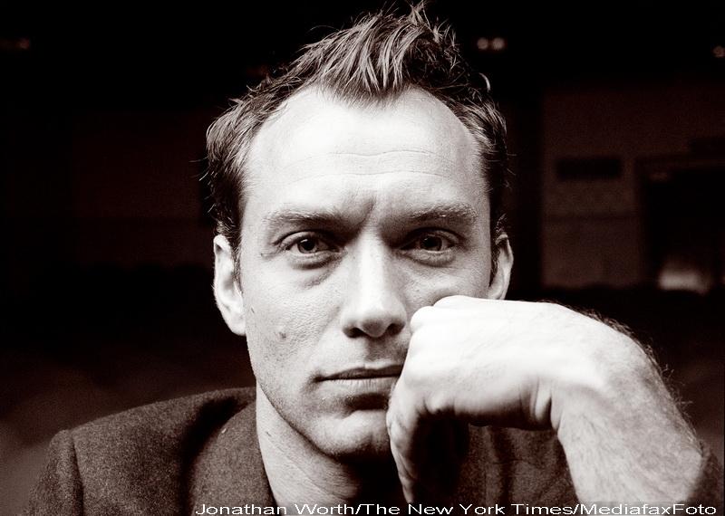 Jude Law, un Hamlet desavarsit! Succes nebun pe Broadway!