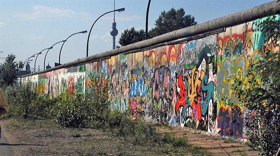 Tom Hanks, Quentin Tarantino si Tokio Hotel, la caderea Zidului Berlinului