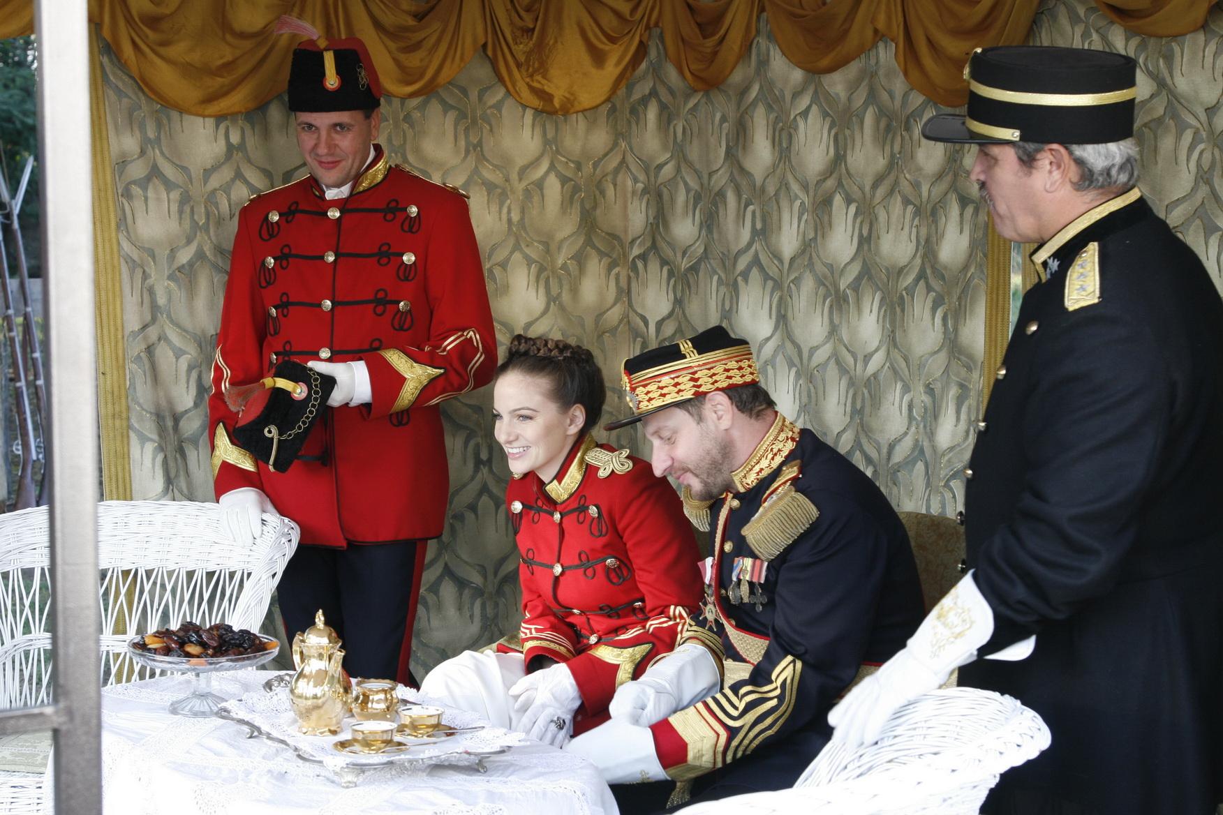Actrita Stefana Samfira readuce la viata un personaj istoric: Regina Maria!