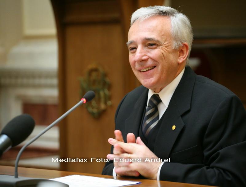 Isarescu: Daca nu exista titluri de stat, BNR vinde si cumpara valuta