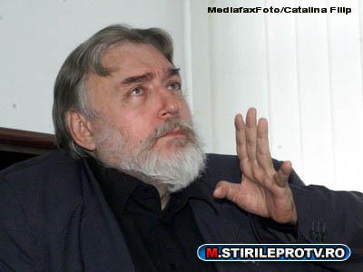 Adrian Paunescu, in continuare in stare critica