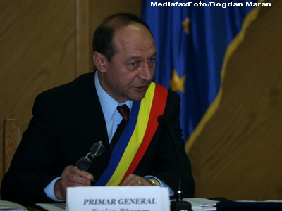 Basescu: Nu mai avem, din 2013, capacitatea sa ne protejam spatiul aerian