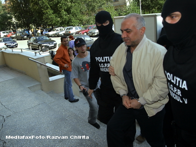 Omar Hayssam a cerut in instanta o pereche de ochelari, ca sa poata citi in penitenciar
