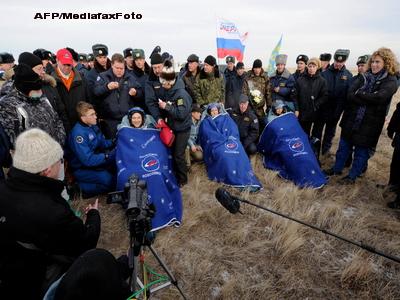 Aterizare cu succes in Kazahstan. Capsula Soyuz, cu 3 astronauti la bord, s-a intors din spatiu