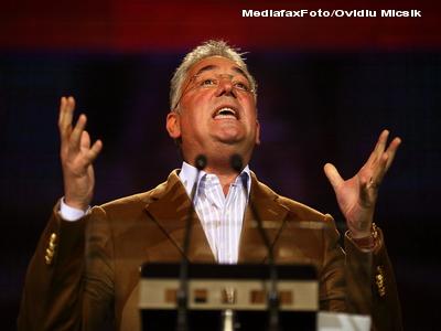 Adriean Videanu si-a dat DEMISIA de la sefia PDL Bucuresti si e suspendat din partid