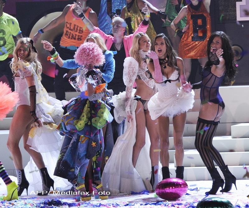 Ultima colectie Victoria's Secret, o defilare pe podium care iti va da palpitatii