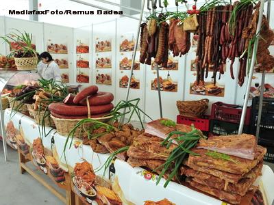 Razboi culinar intre unguri si romani. Au avut zece porci la dispozitie. Vezi ce a iesit