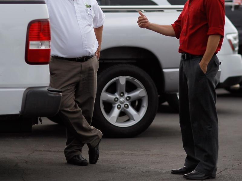 Afacere cu masini lux. Le declarau furate, le puneau numere de SUA si le vindeau la turci si bulgari