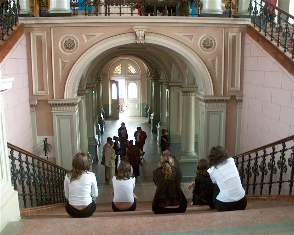 Elevii aradeni au inceput scoala chiulind: peste 50.000 absente in doua saptamani