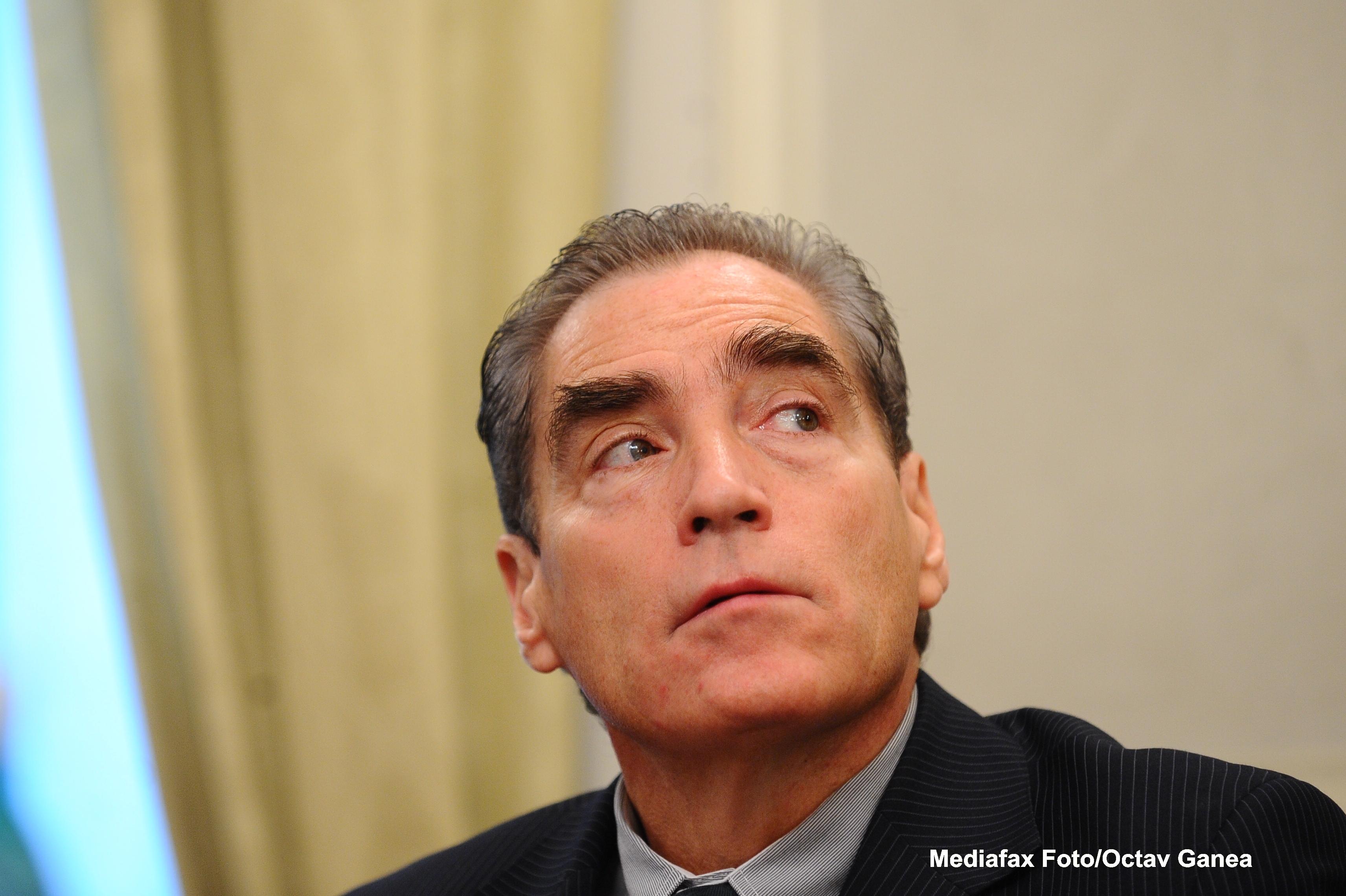 Petre Roman NU mai este deputat. Parlamentarii au facut un adevarat circ inainte ca Zgonea sa anunte vacantarea locului
